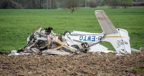Zusammenstoß Kleinflugzeug und Ultraleichtflugzeug
