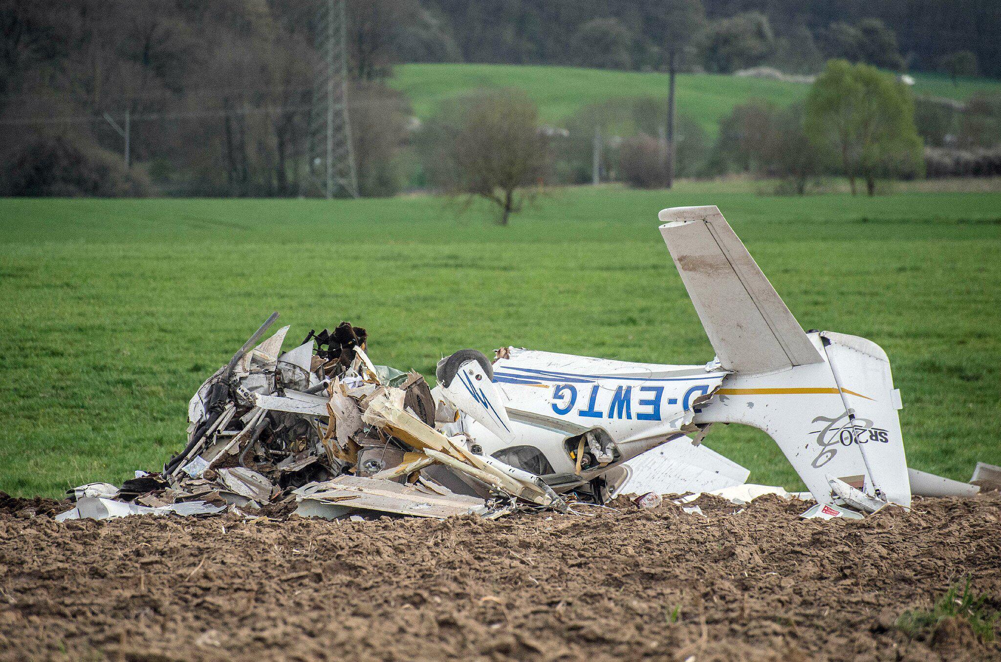 Bild zu Zusammenstoß Kleinflugzeug und Ultraleichtflugzeug