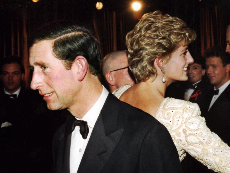 Bild zu Charles und Diana