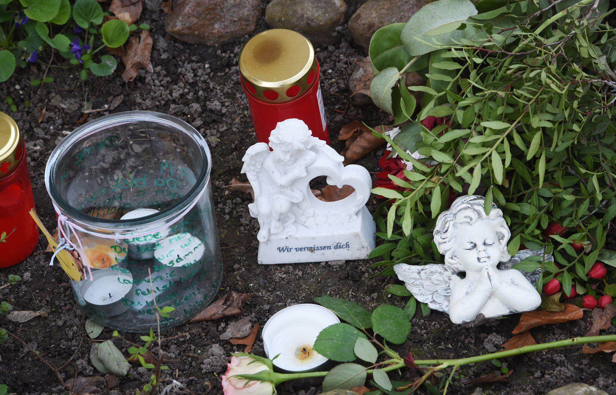 Bild zu Zinnowitz, Trauer, Kerzen, Maria, Mordfall, Tod