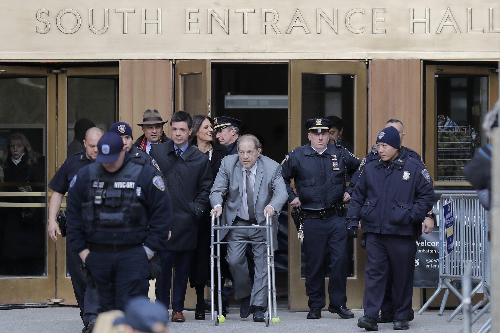 Bild zu Verhandlung gegen Weinstein startet