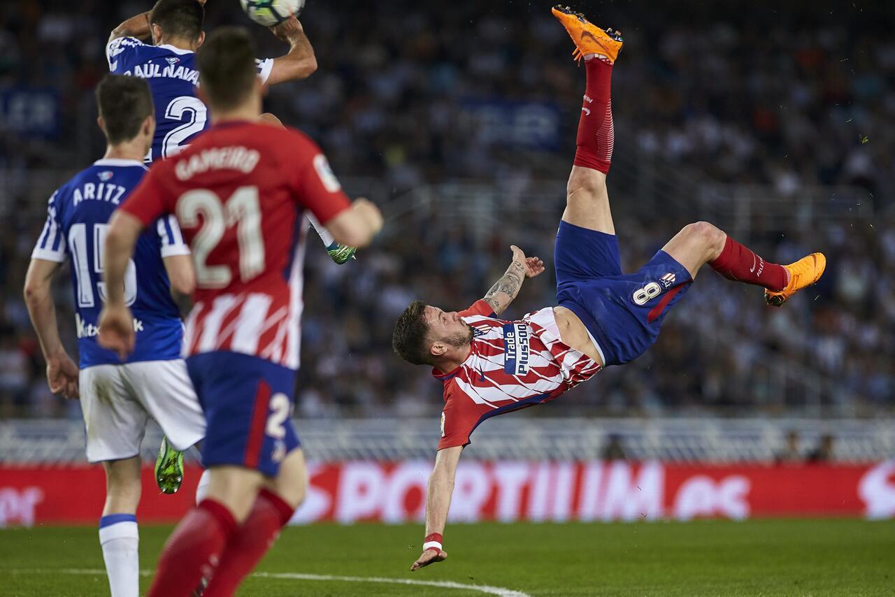 Bild zu Real Sociedad San Sebastián - Atletico Madrid, Saul Niguez, Primera Division, Fallrückzieher