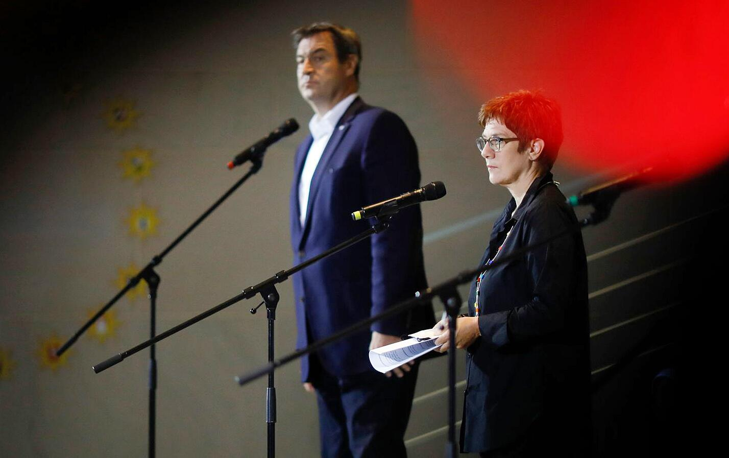 Bild zu Koalition erzielt Durchbruch bei Wahlrecht und Kurzarbeit