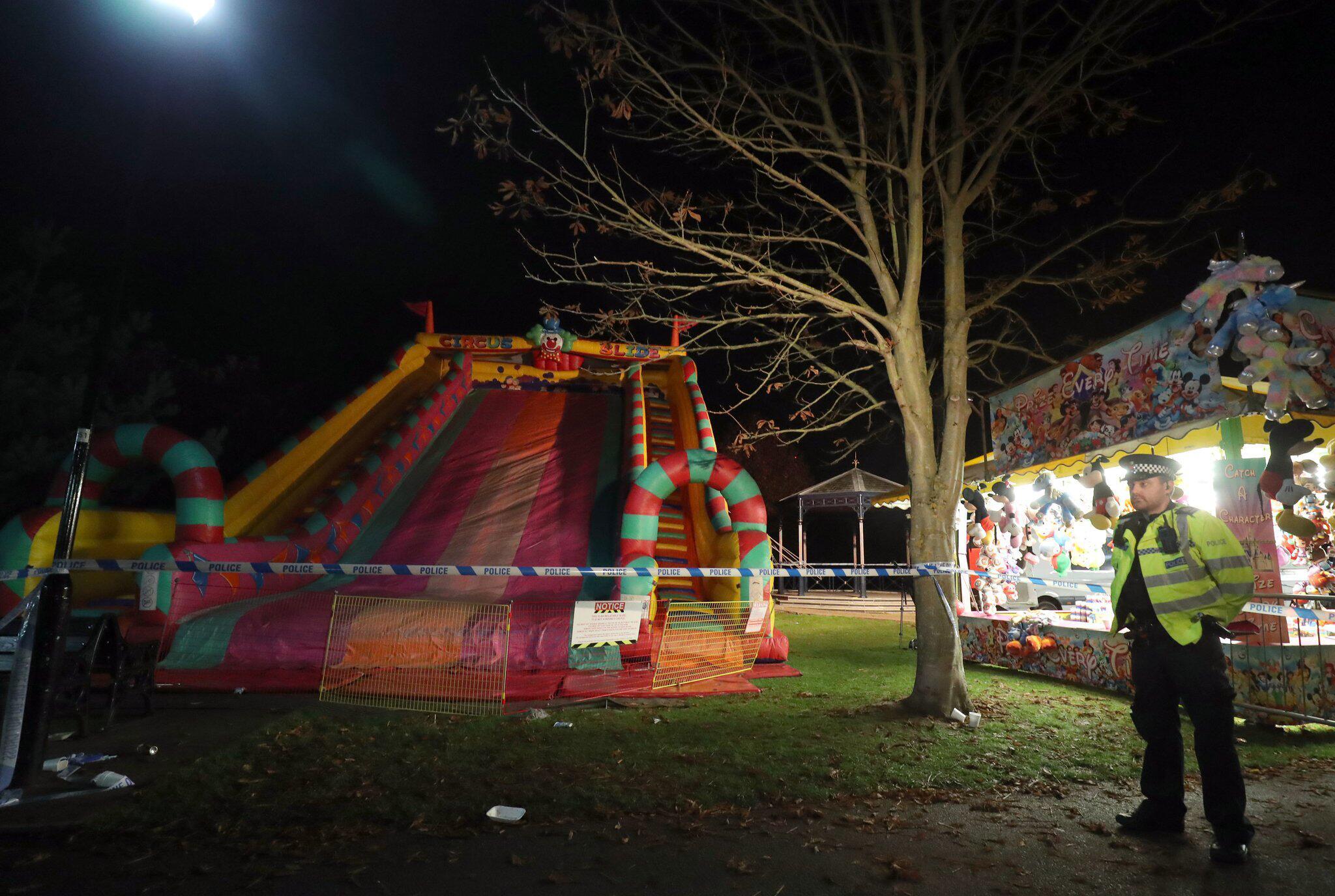 Bild zu Unfall mit aufblasbarer Riesenrutsche in Woking