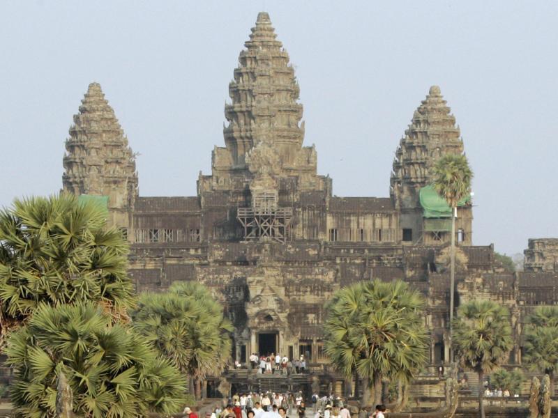 Bild zu Touristen in Angkor Wat