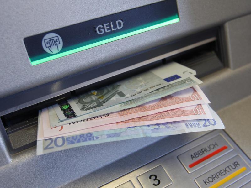 Bild zu Gebühren fürs Geldabheben