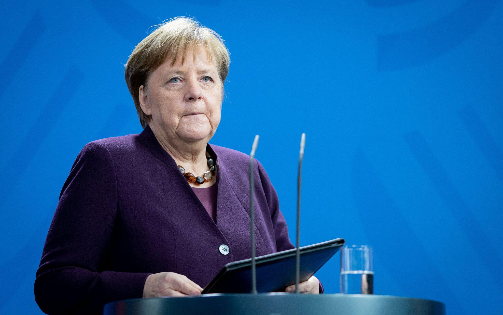 Bild zu Chancellor on the attack in Hanau