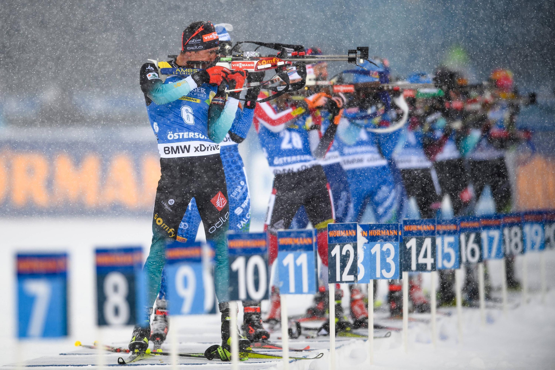 Bild zu Biathlon, Wintersport