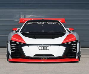 Audi e-tron Vision Gran Turismo: PlayStation-Bolide wird zum realen Renntaxi