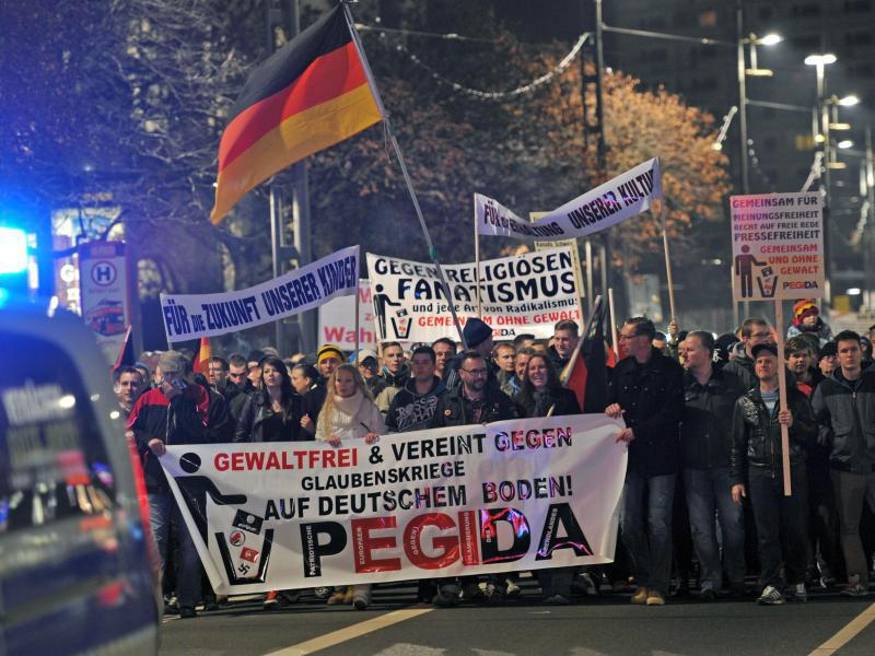 Bild zu Pegida-Demo in Dresden