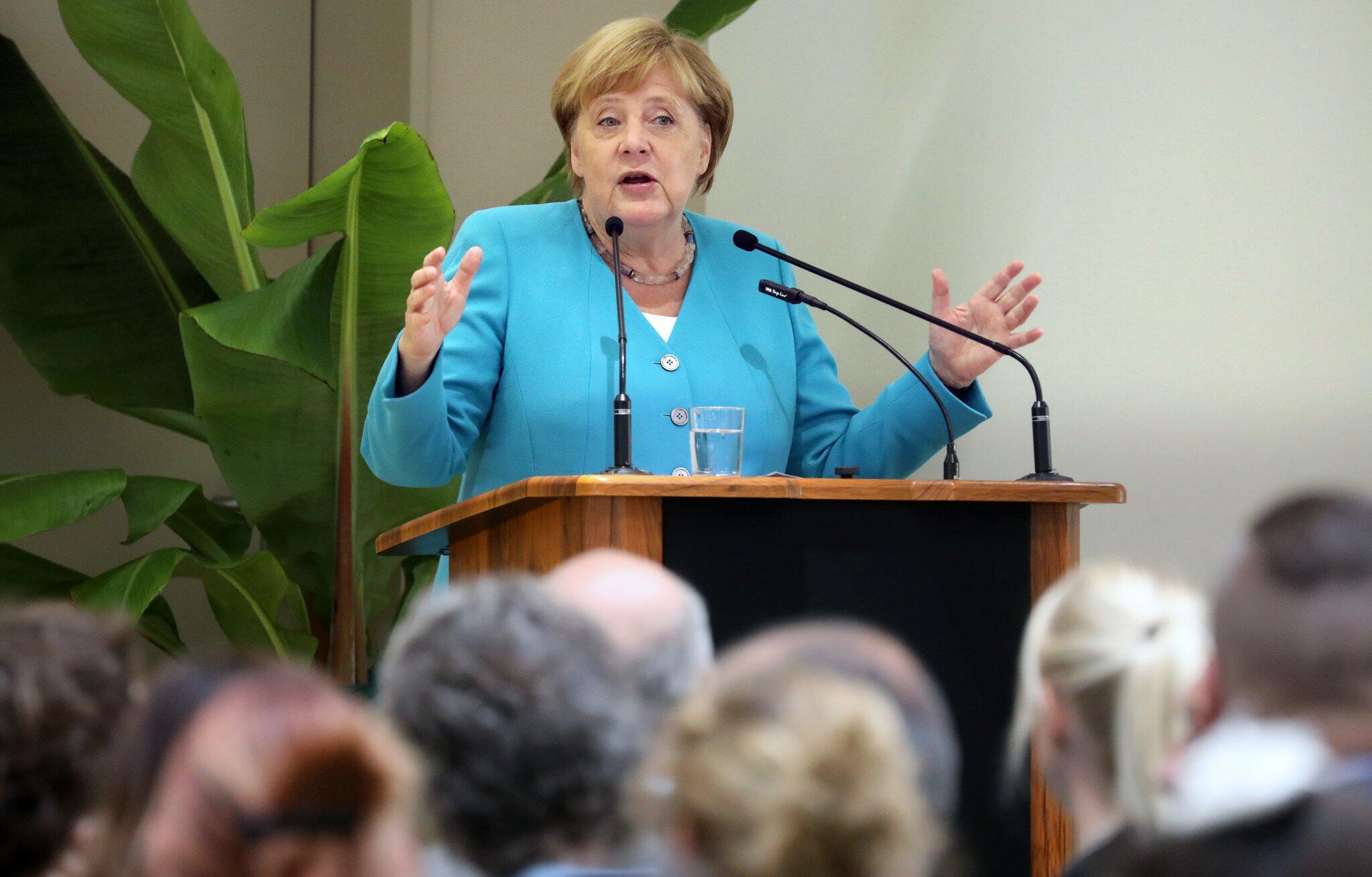 Bild zu Bundeskanzlerin Angela Merkel in Greifswald