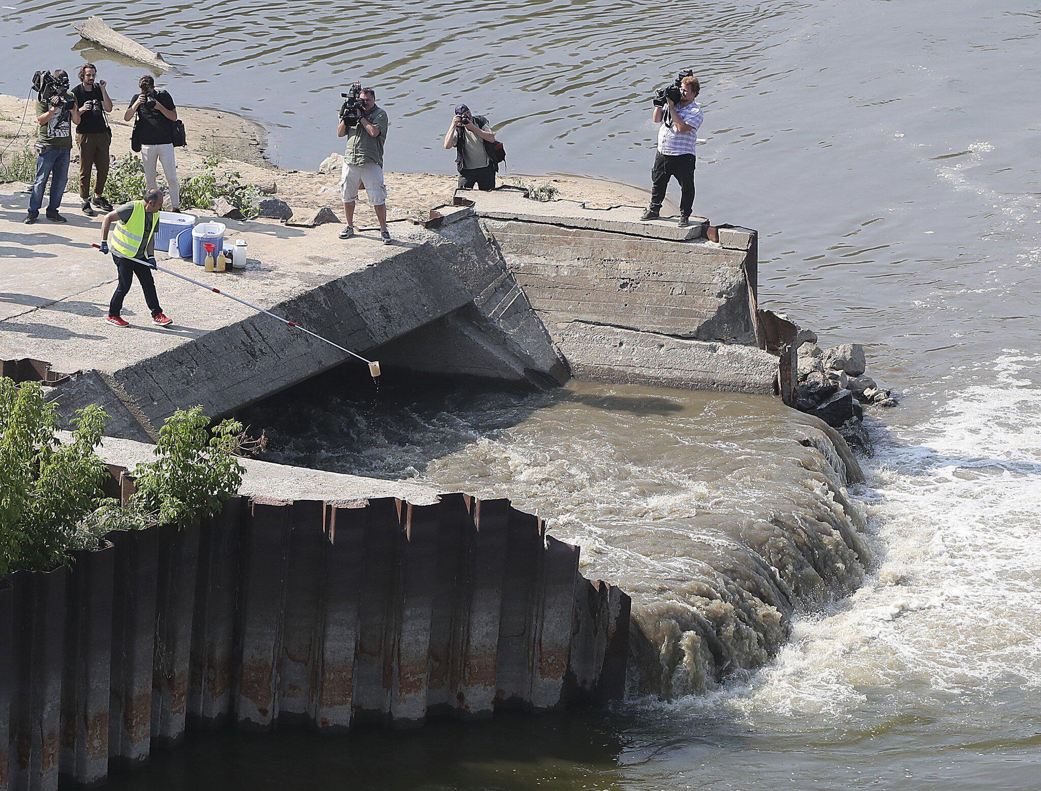 Bild zu Warschauer Kanalisation - Abwasser fließt in die Weichsel
