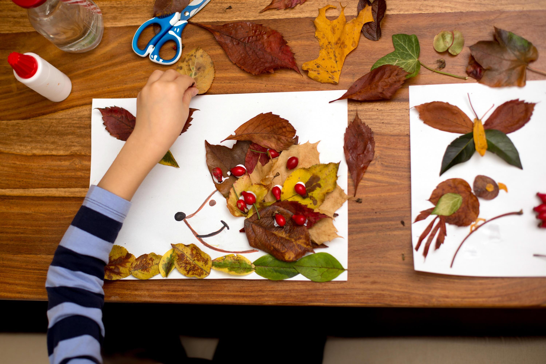 Bild zu Bunte Blätter, Kastanien und Kürbisse wecken die Bastel-Fantasie!