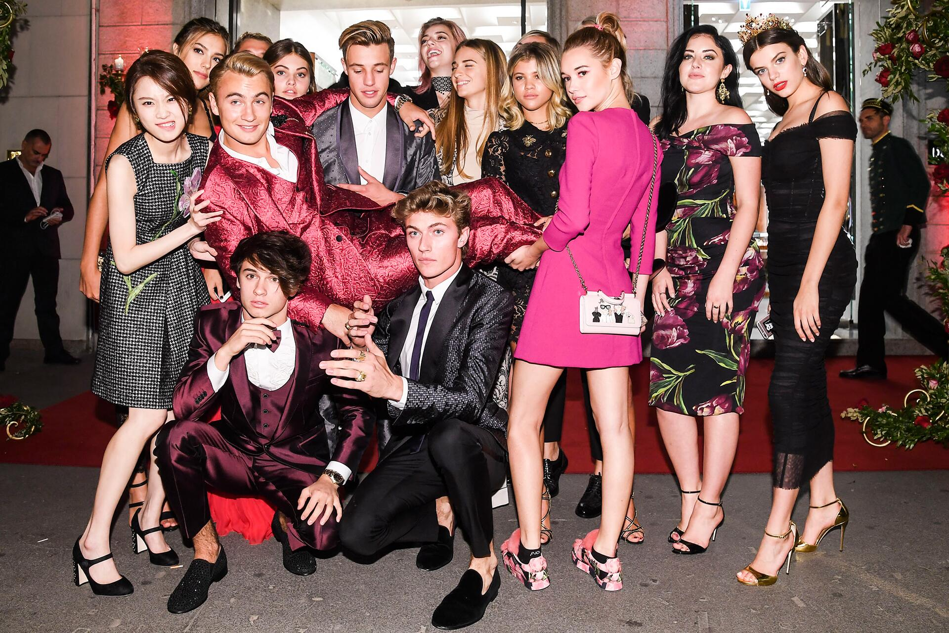 Bild zu Dolce Gabbana, Promi Kinder, Sistine Stallone, Sofia Richie, Brandon Thomas Lee