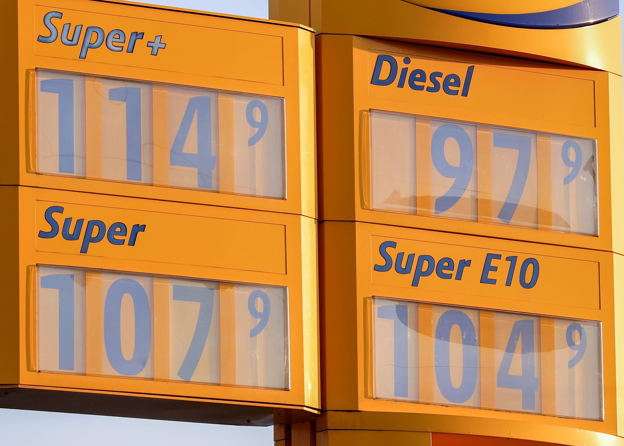 Bild zu Coronavirus – Dieselpreis