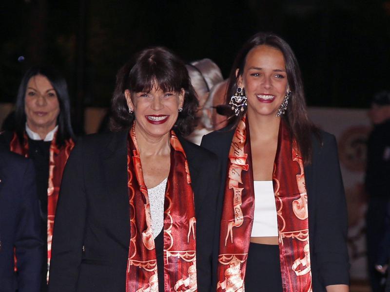 Bild zu Stéphanie von Monaco + Pauline Ducruet
