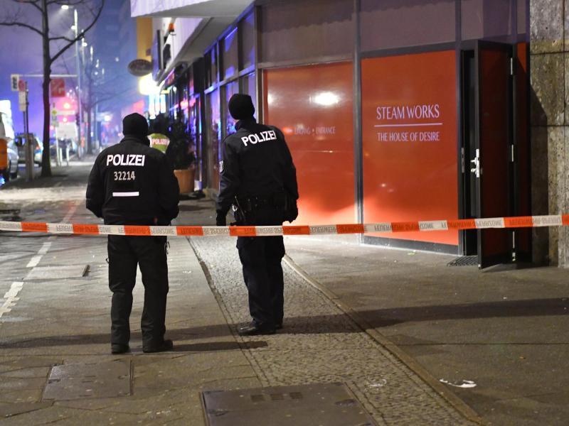 Bild zu Polizei im Einsatz