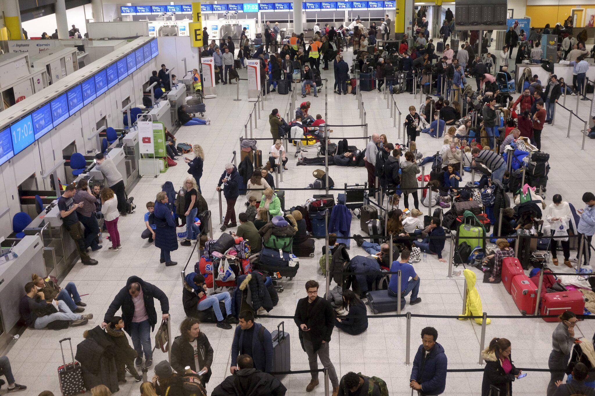 Bild zu Großflughafen London-Gatwick lahmgelegt