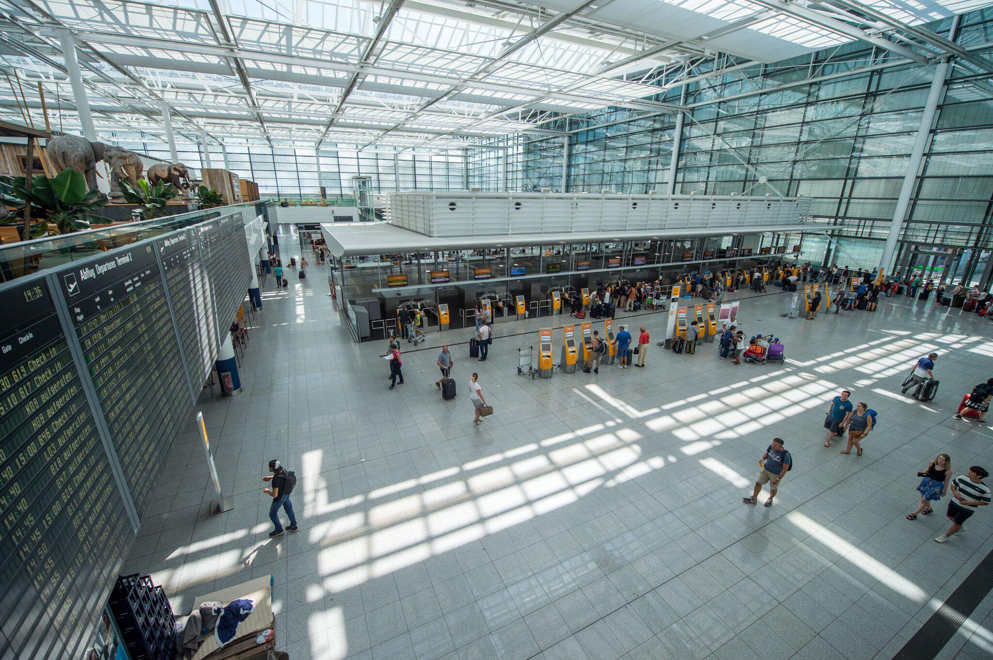 Bild zu Nach Sicherheitschaos am Munich Airport - Aufräumarbeiten