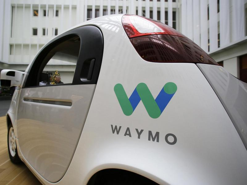 Bild zu Waymo-Fahrzeug