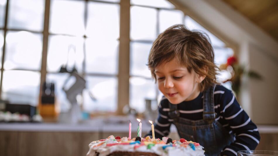 geschenke, dritter geburtstag, kleinkind, geschenkideen, spielzeug