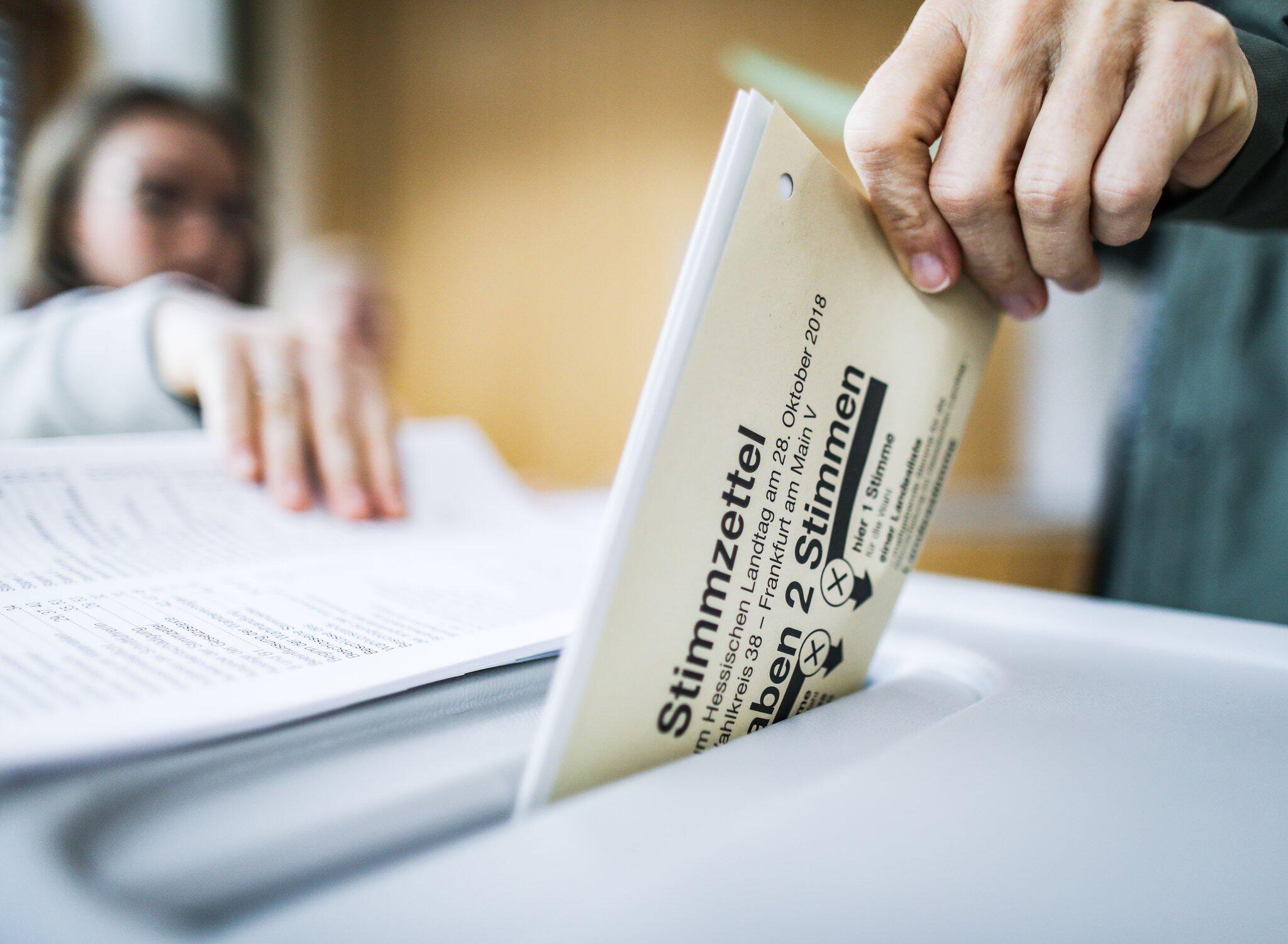 Bild zu Landtagswahl Hessen - Stimmabgabe