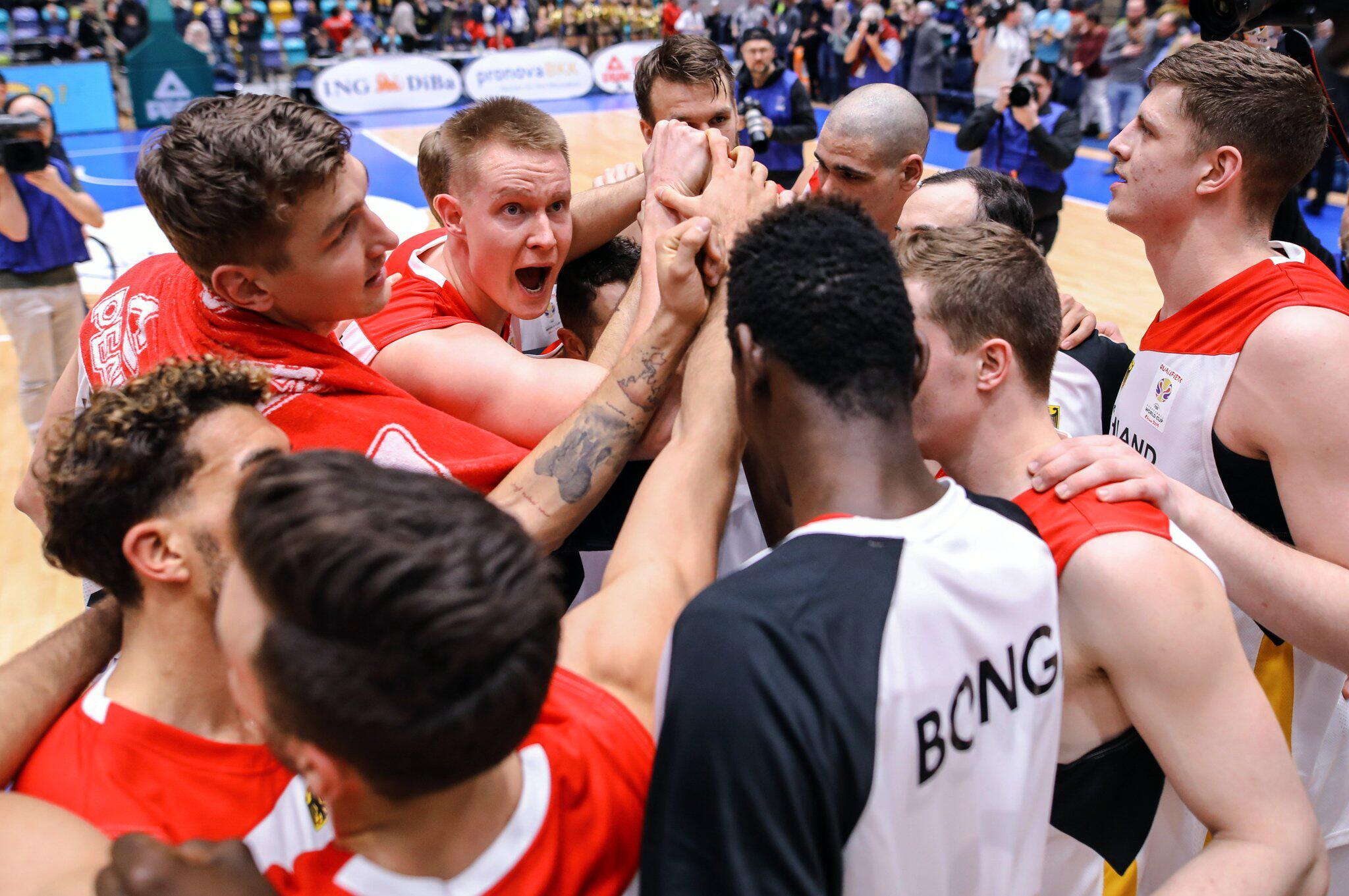 Bild zu Basketball: Germany vs Serbia