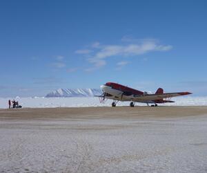 Flugzeug zur Untersuchung des Arctic Ice Caps in Kanada