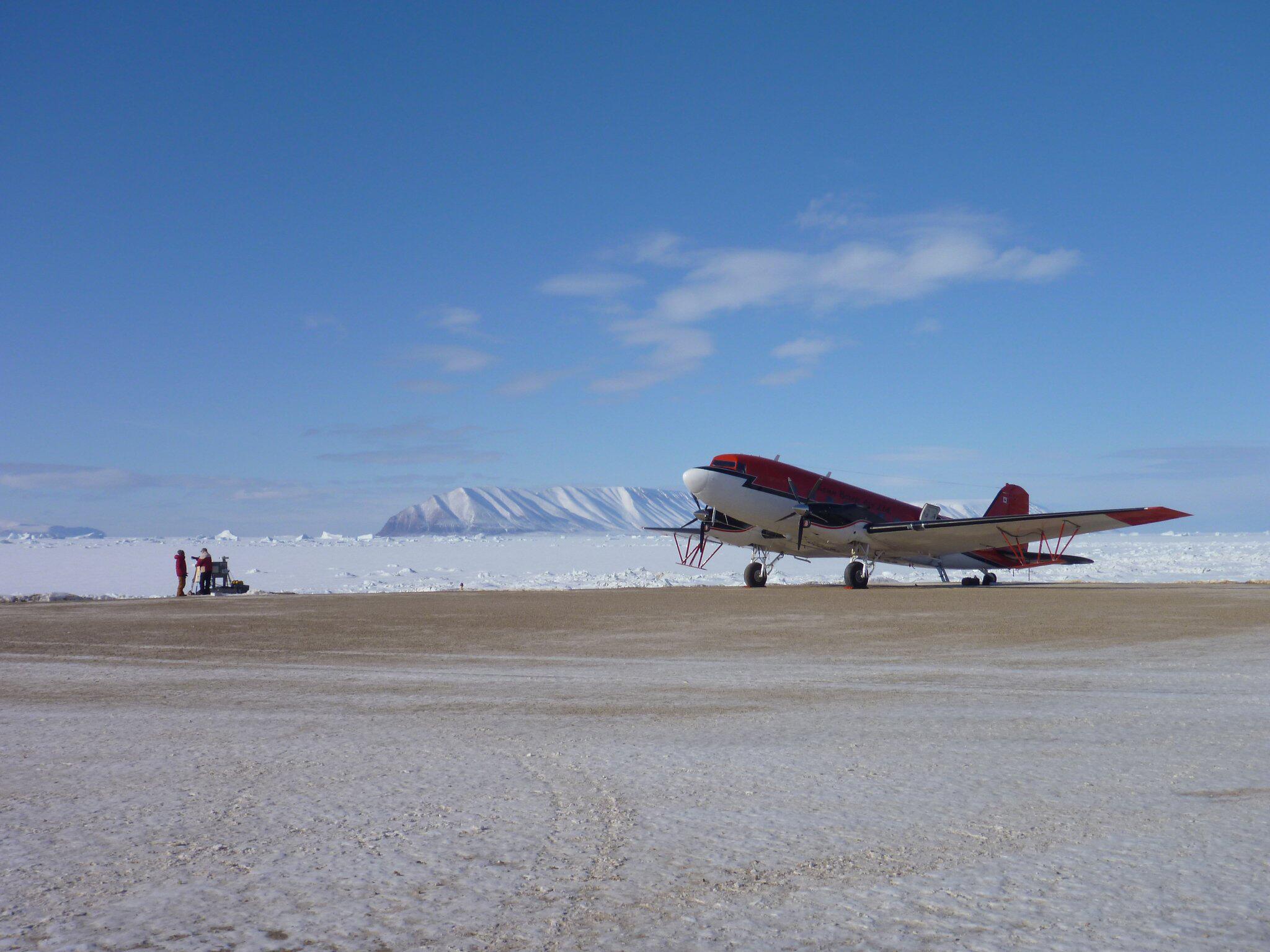 Bild zu Flugzeug zur Untersuchung des Arctic Ice Caps in Kanada