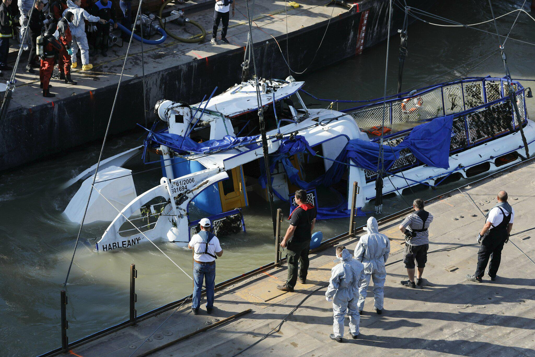 Bild zu Nach dem Schiffsunglück in Ungarn