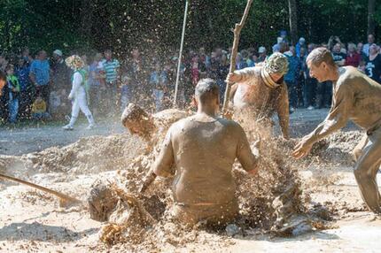 Traditionelles Dreckschweinfest