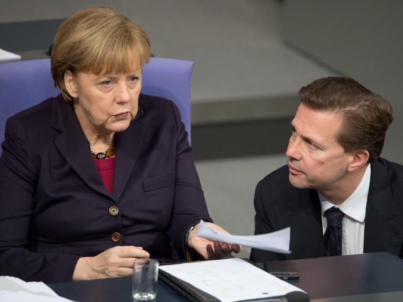 Bild zu Merkel und Seibert