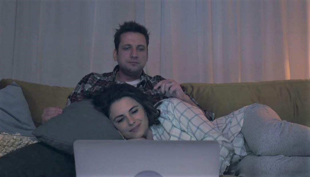 Bild zu Sofa, Laptop, Heim, Zuhause