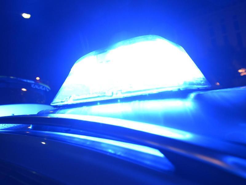 Bild zu Blaulicht eines Polizeiautos