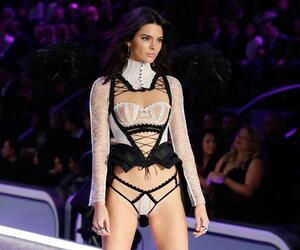 Kendall Jenner, sexy, Victoria's Secret, Outfit, Fashion Show 2016
