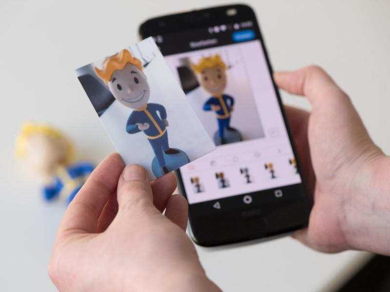 Bild zu Vault Boy auf Polaroidbild