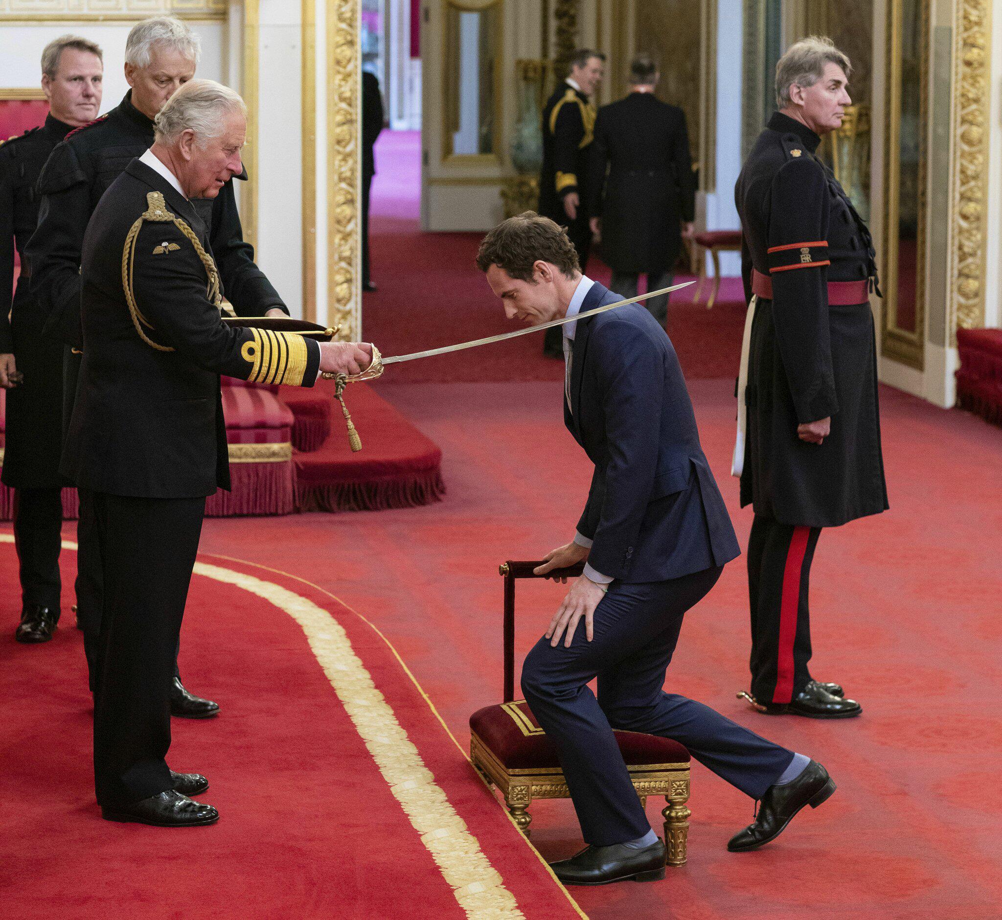 Bild zu Prinz Charles verleiht Sir-Titel an Tennisspieler Murray