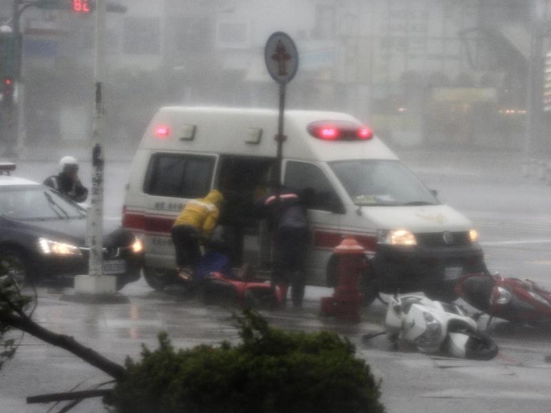 Bild zu Rettungskräfte