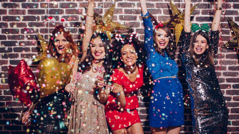 silvester, outfit, party, damen, damenoutfits, silvesteroutfits, frauen, kleidung