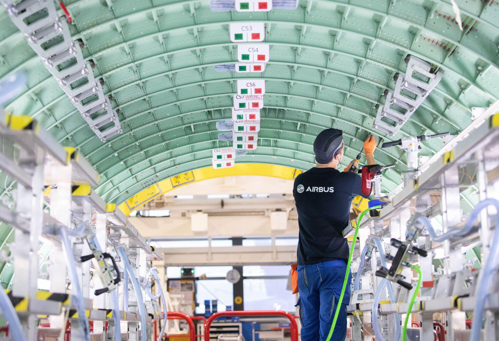 Bild zu Airbus drosselt Produktion um 40 Prozent - Entlassungen drohen