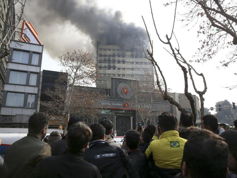 Bild zu Großbrand in Teheran