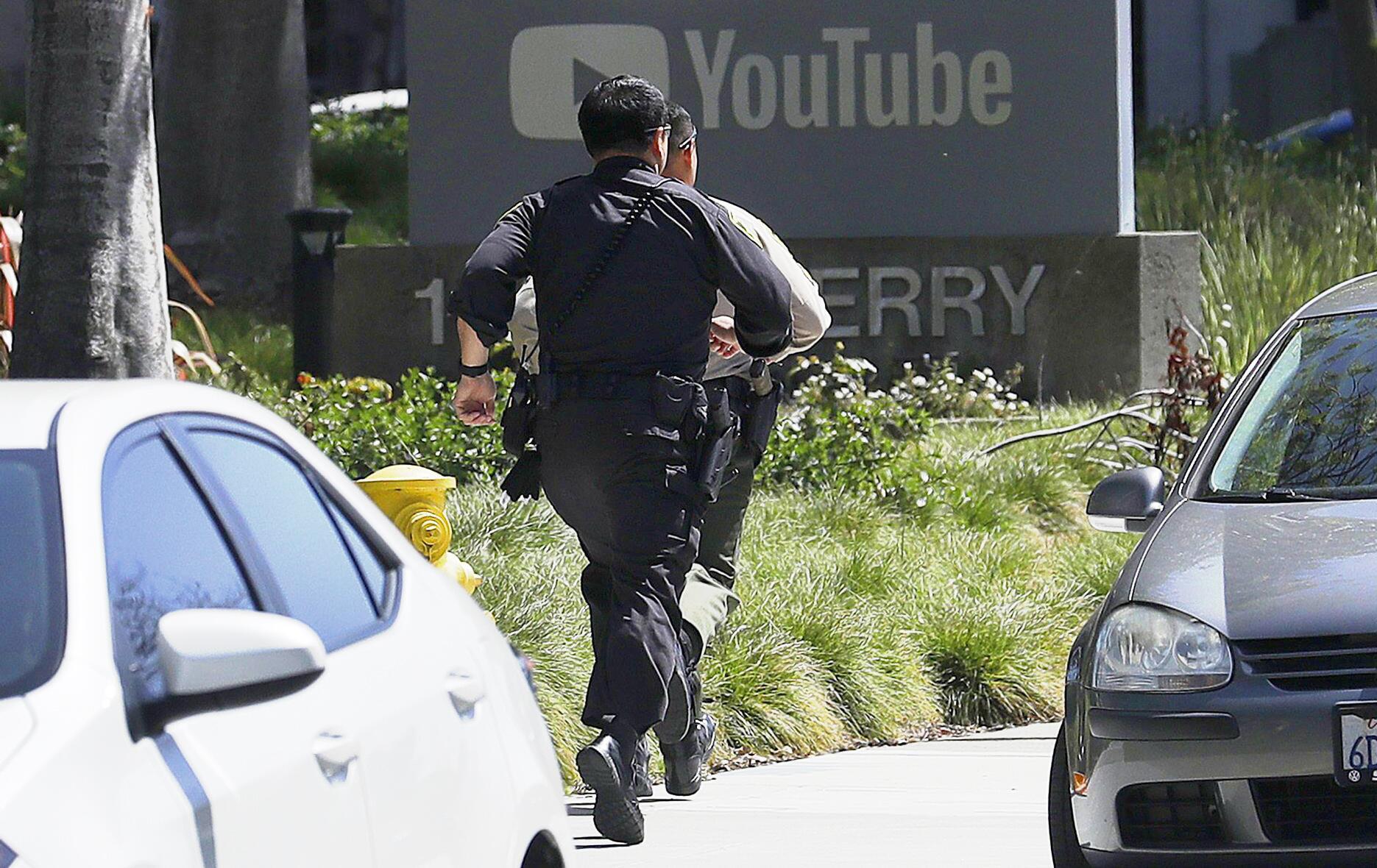Bild zu Frau schießt in Youtube-Zentrale