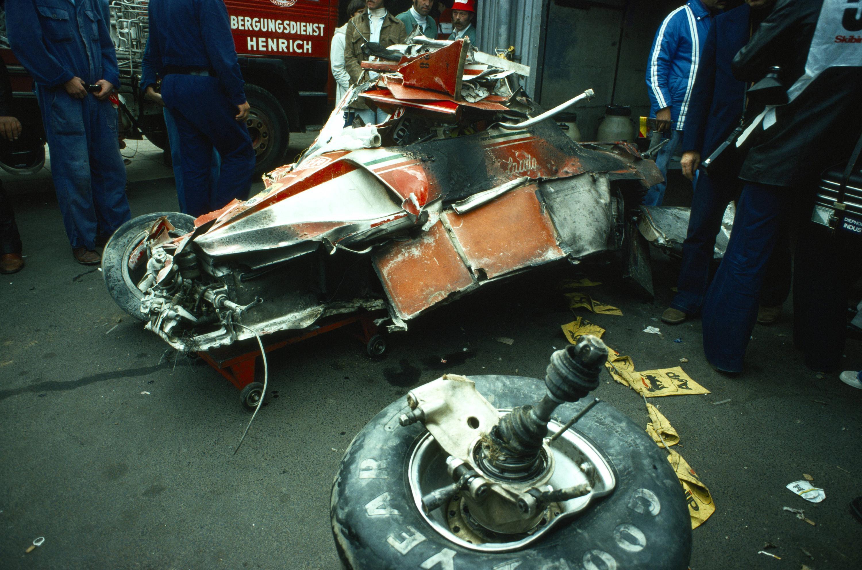 Bild zu Niki Lauda, Formel 1, Ferrari, Nürburgring, Unfall, Auto, Box, 1976