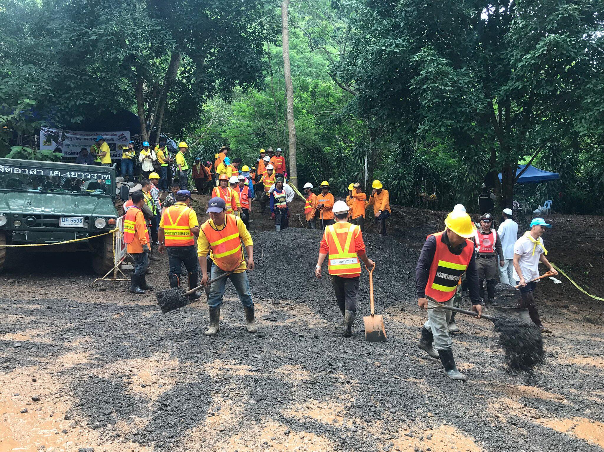Bild zu Thailand: Youth football team trapped in cave are alive
