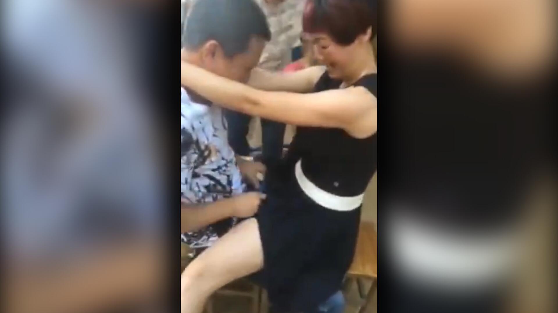 Bild zu Chinesische Paare lieben diese schlüpfrigen Spielchen