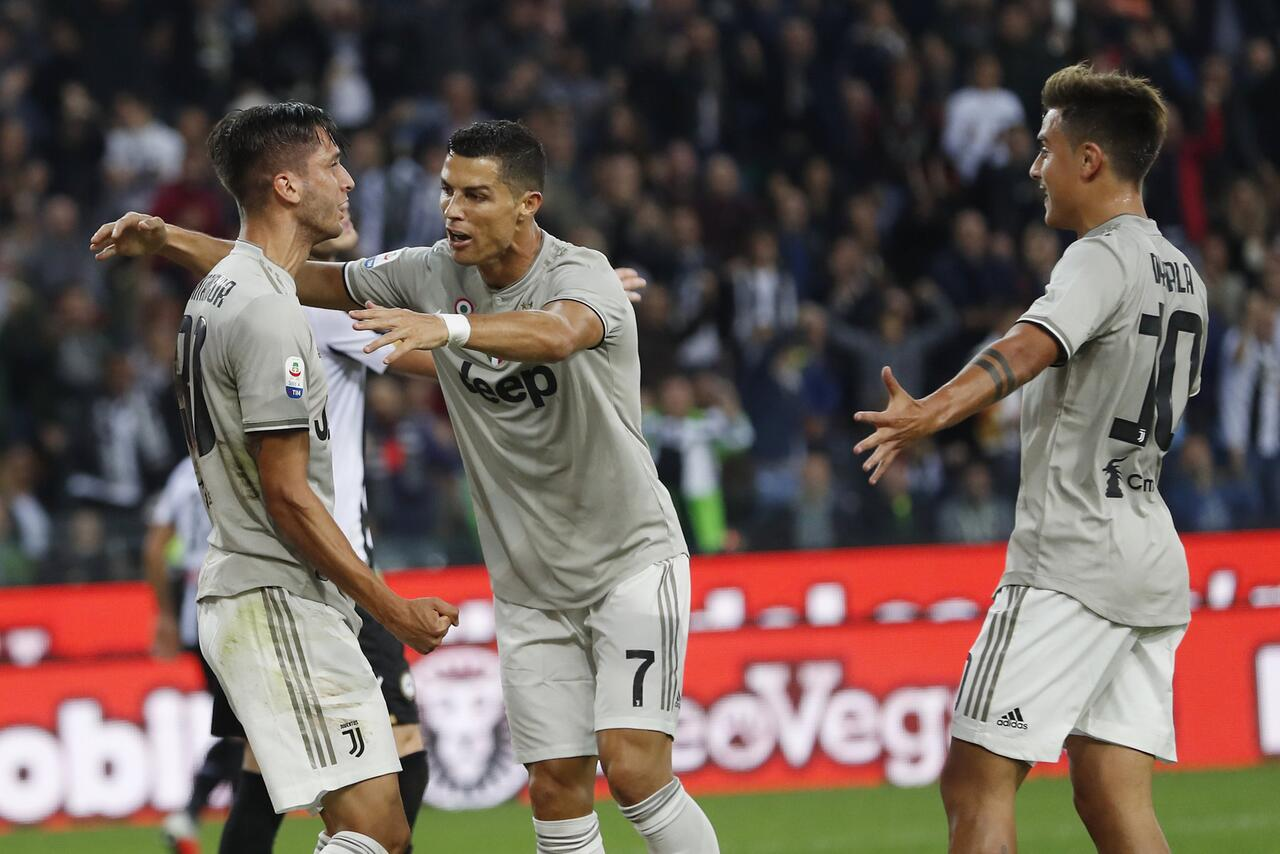 Bild zu Juventus Turin - Udinese Calcio, Rodrigo Betancur, Cristiano Ronaldo, Paulo Dybala