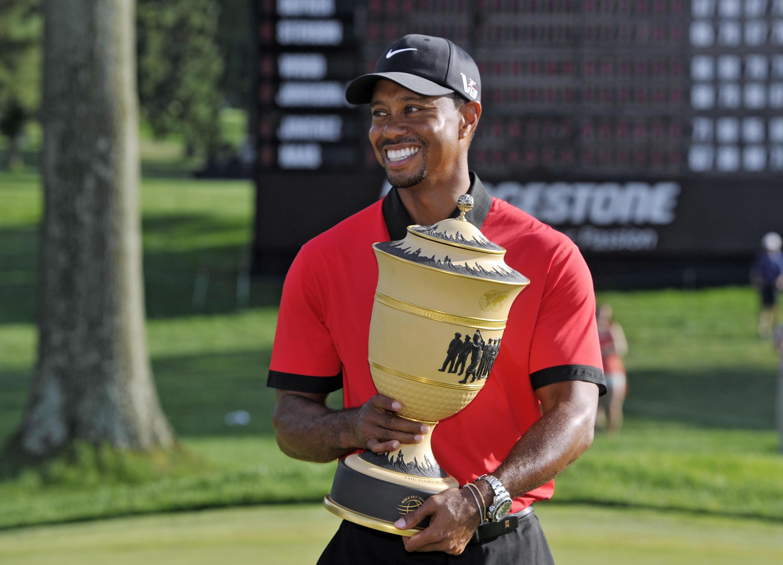 Bild zu Tiger Woods, Pokal, Bridgestone Invitational, Firestone Country Club, Akron