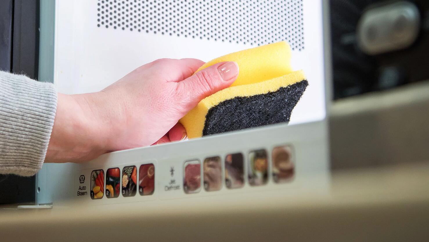 Bild zu Spülschwämme besser nicht dauerhaft in der Mikrowelle reinigen