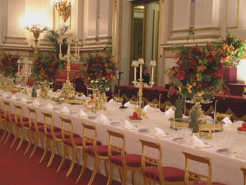 Bild zu Essen wie die Queen: Royal Welcome im Buckingham Palace