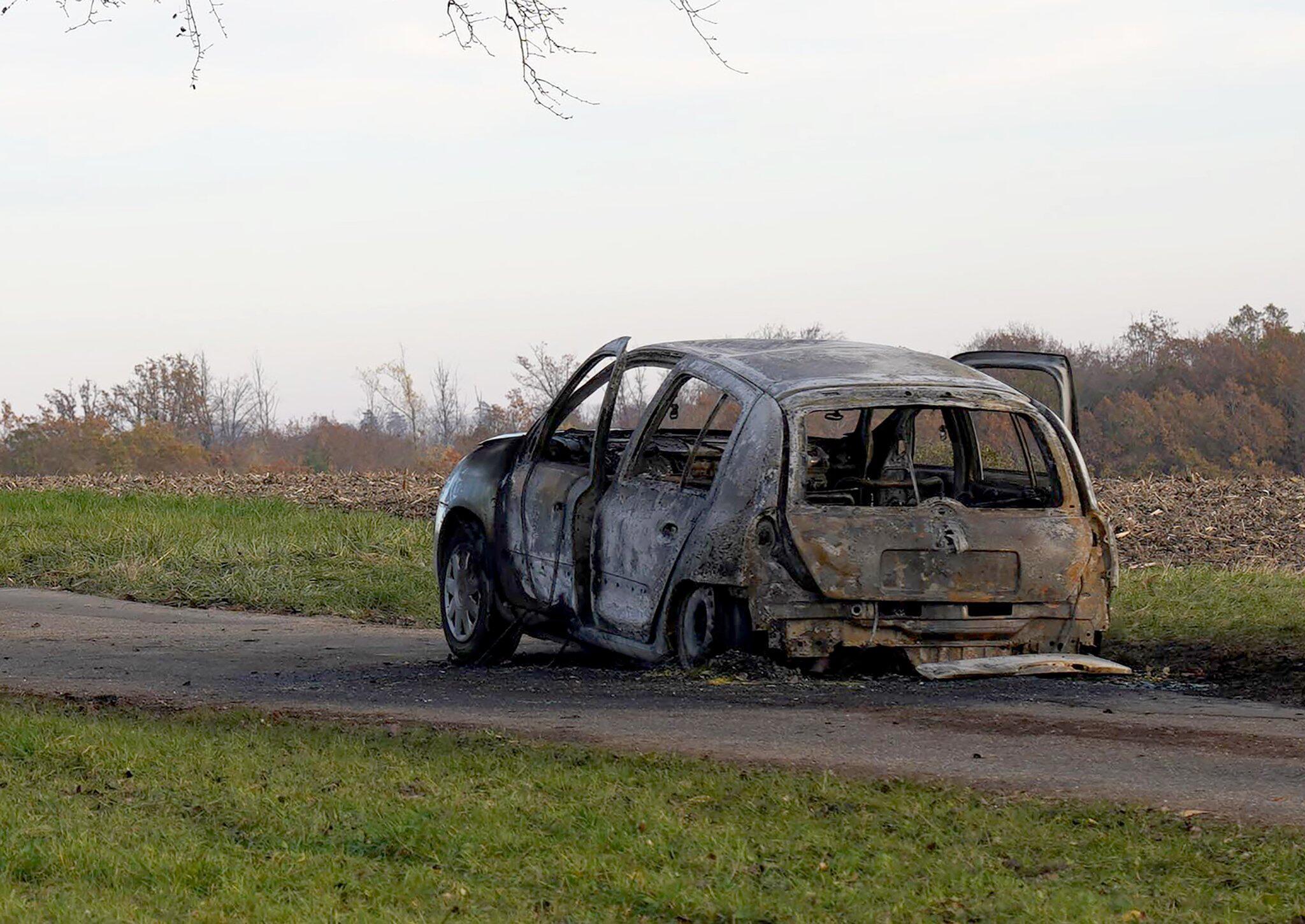 Bild zu 45-Jährige verbrennt in Auto